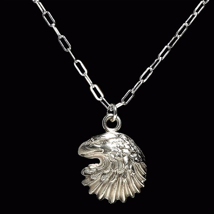Woman Fashion Jewelry Eagle Necklace Makeup